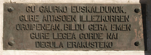 placa-monumento-fueros